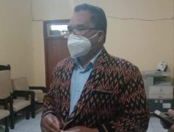 Pengusaha Jemur Kopi di Trotoar, Ketua DPRD Manggarai: Beri Sanksi!